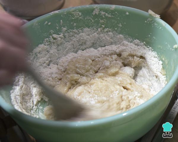 Receta de pan de queso de panadería - Paso 2