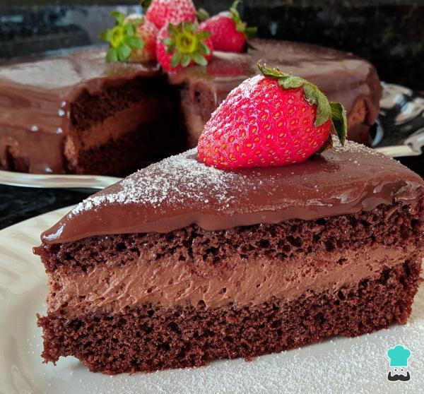 Receta de pastel de mousse de chocolate con fresas