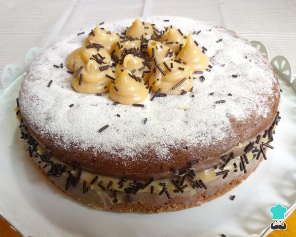 Receta para pastel de chocolate con relleno de leche Nest para cumpleaños - Paso 10